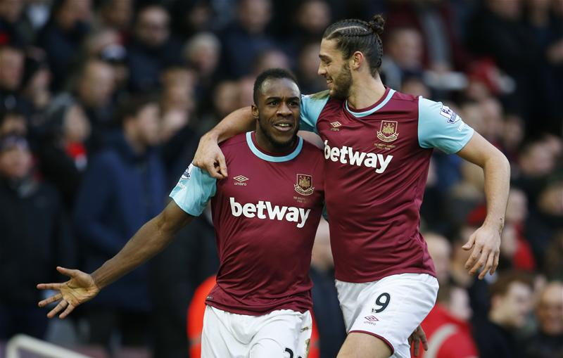 Carroll On Target As West Ham Punish Liverpool