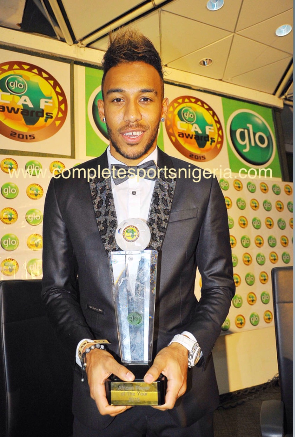 Aubameyang Is African Player Of The Year; Osimhen, Etebor Also Win