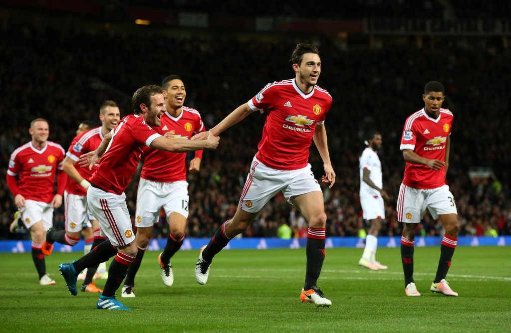 Man United Ease Past Crystal Palace