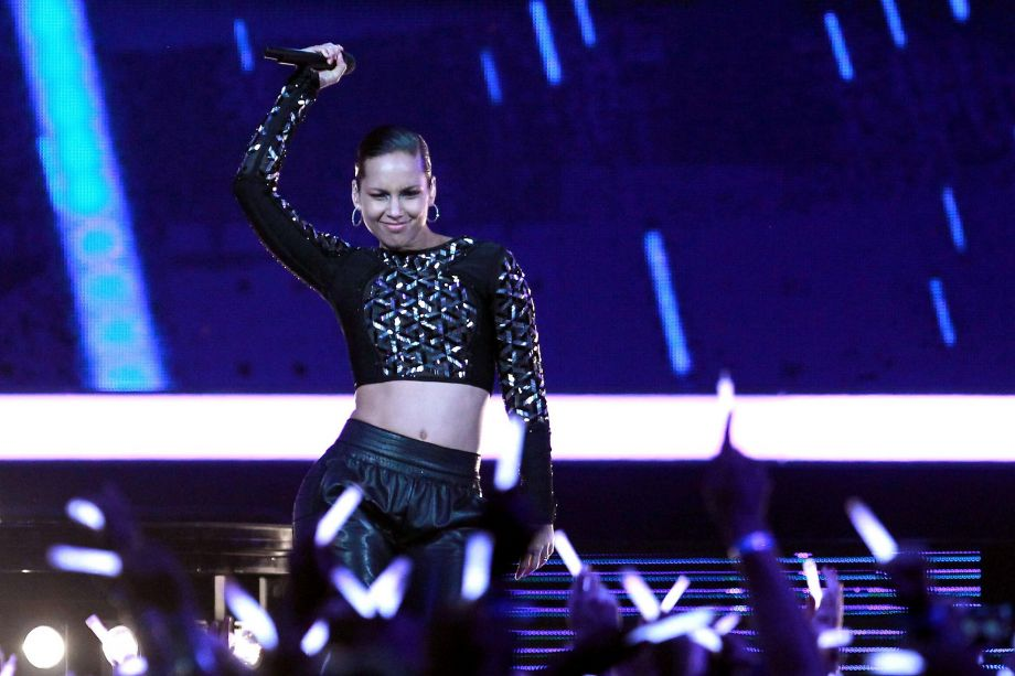 Alicia Keys To Perform At Champions League Final