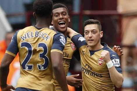 "Ozil ""Amazed"" By Iwobi's Arsenal Progress"