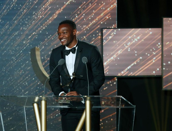 Mandanda Beats Enyeama To Ligue 1 Goalkeeper Award