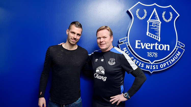 Schneiderlin Completes £20m Everton Move From Man United