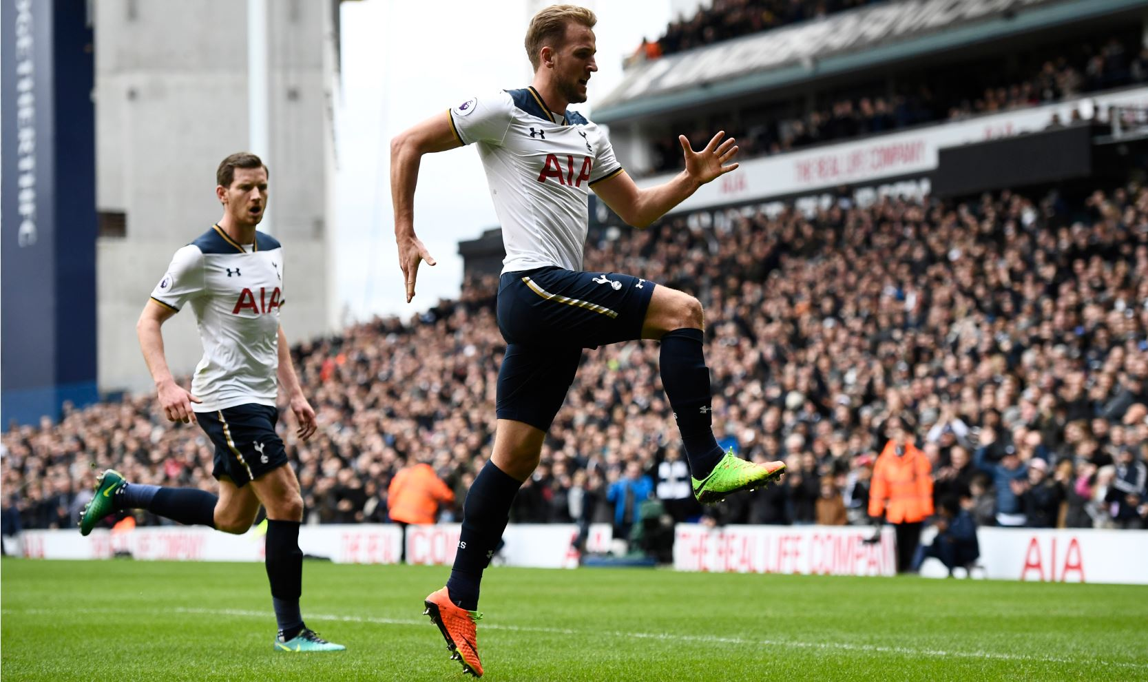 Kane Hits Hat-trick As Spurs Thrash Stoke, Go Second