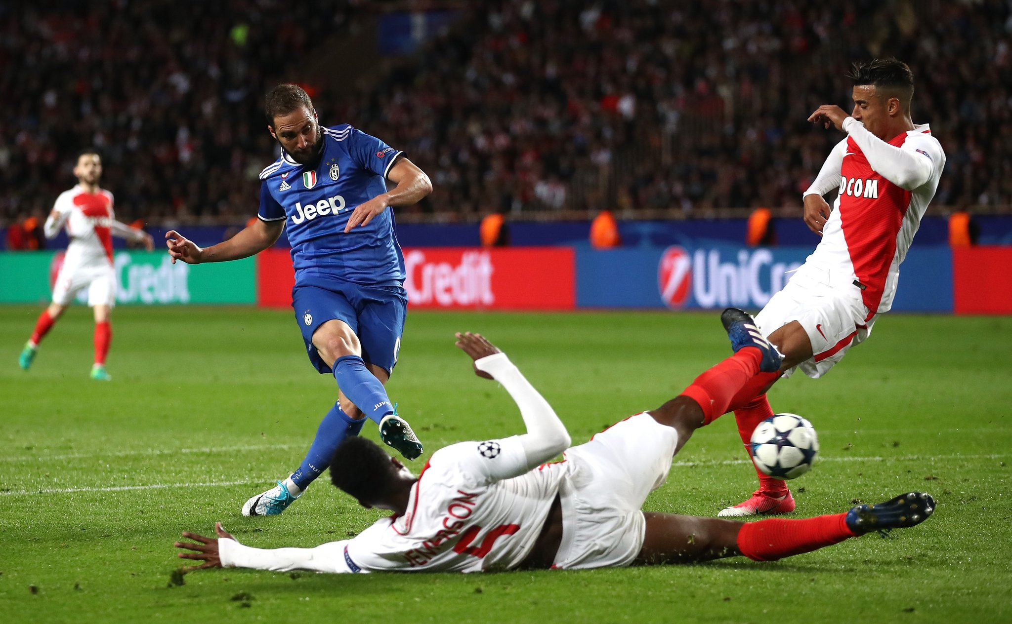 Higuain Bags Brace Vs Monaco As Juventus Near UCL Final
