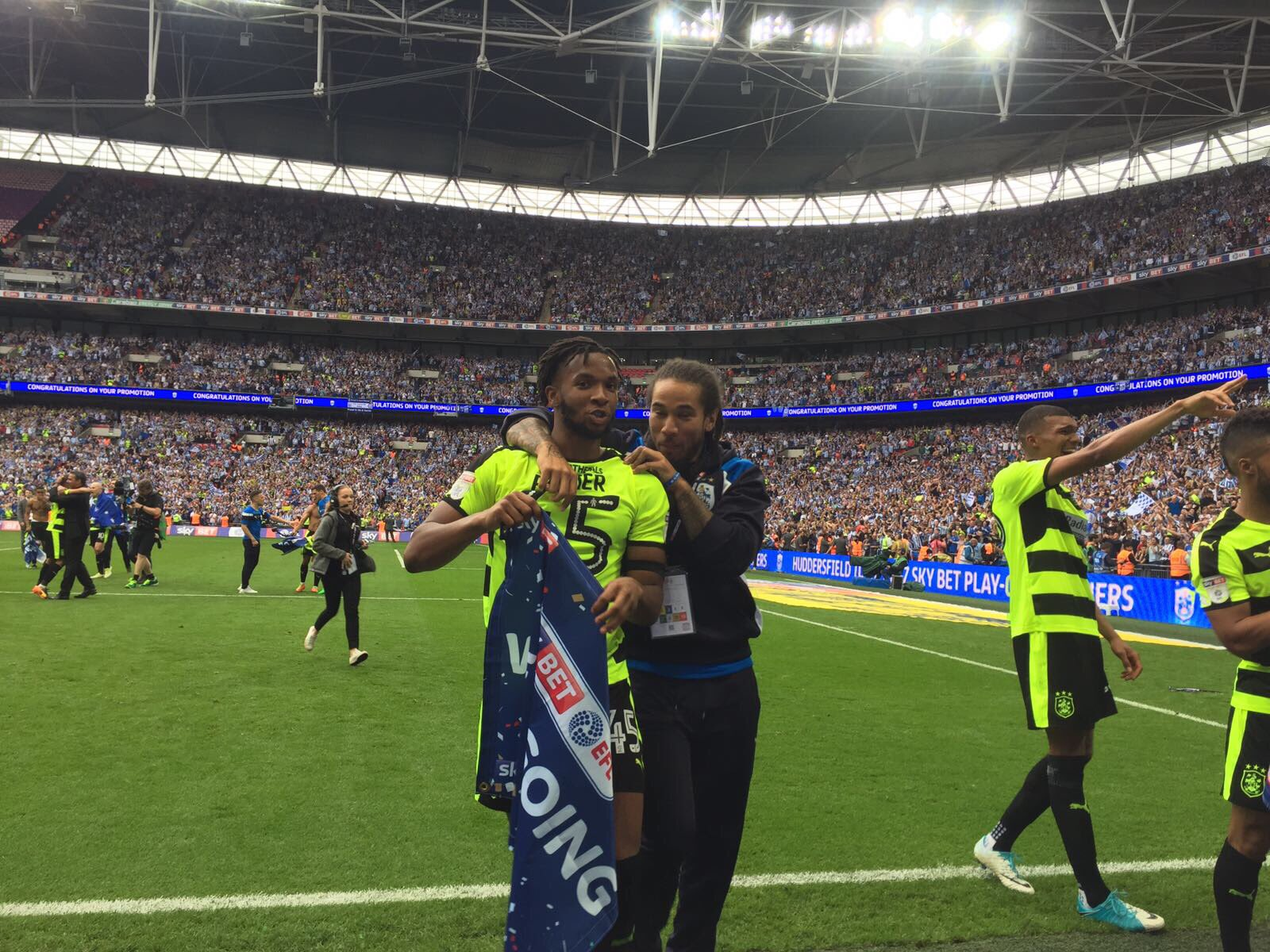 Huddersfield Edge Reading On Penalties, Gain Promotion To EPL