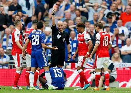 Chelsea Fans Blast Moses Over FA Cup Final Dive, Red Card