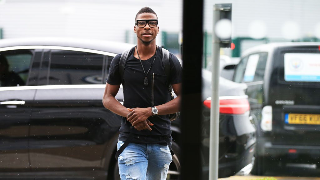"Shakespeare ""Frustrated"" Over Delay In Iheanacho's Leicester Arrival"