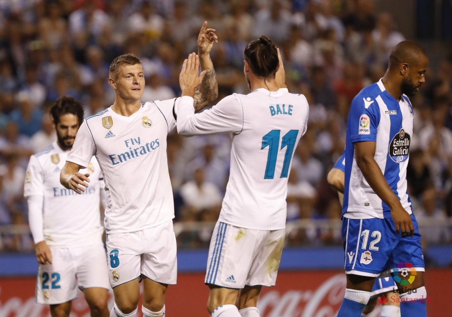 Ten-Man Real Madrid Ease Past Deportivo La Coruna