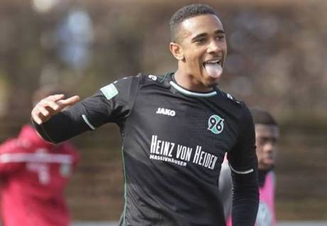 Hannover 96 Coach Rues Bazee's Recurring Injury Situation