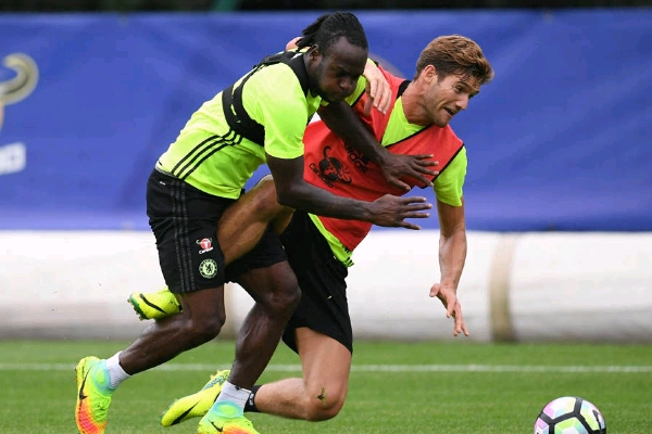 Moses Rejoins Chelsea In Training Today