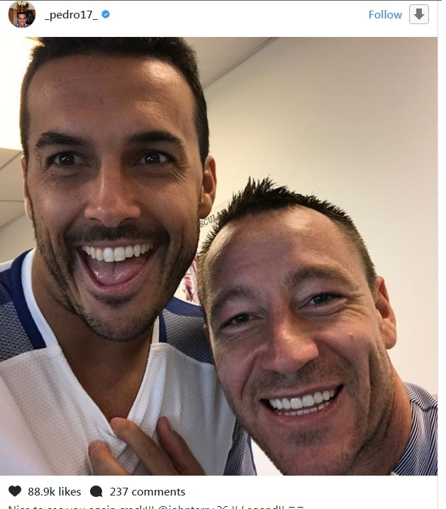 Terry Returns To Chelsea…Club Legend Visits Former Teammates