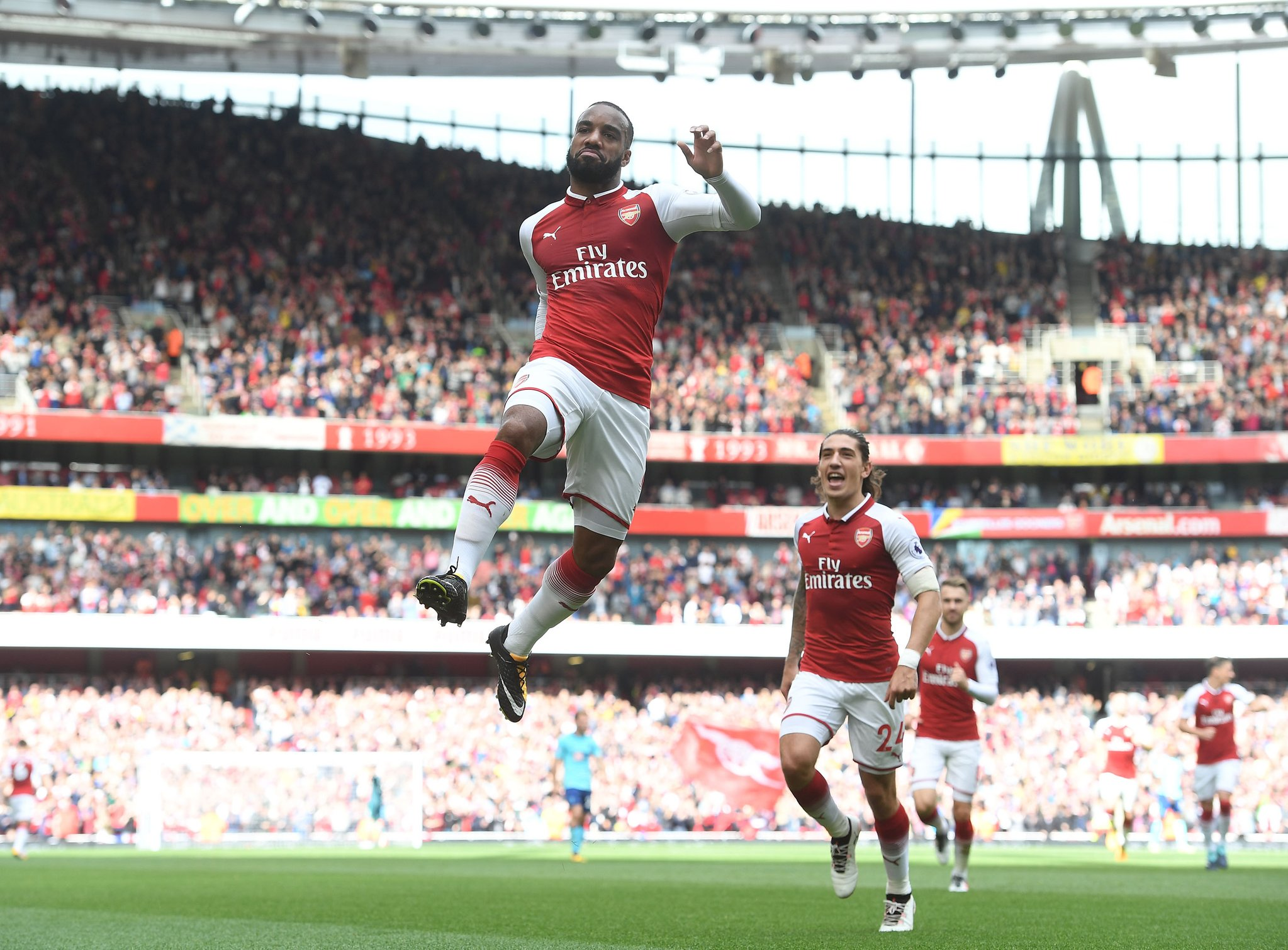 Iwobi Benched As Welbeck, Lacazette Fire Arsenal Past Bournemouth; Kane Bags Brace