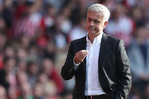 Champions League: Mourinho Rules Out Carrick, Fellaini; Targets CSKA Win