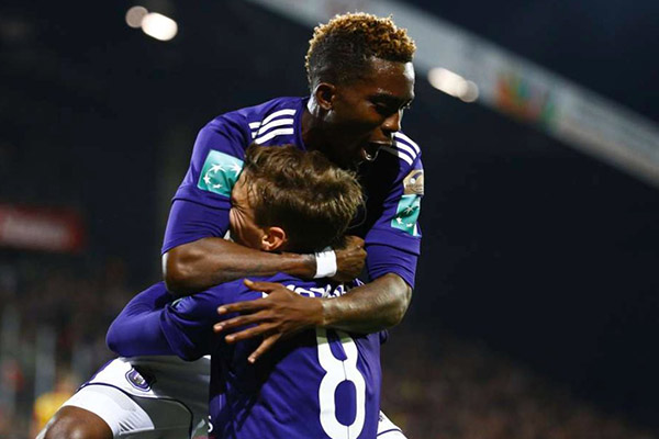 Fiorentina Join Barca, Man United In Onyekuru Chase