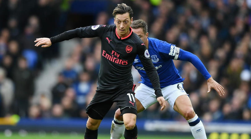 Arsenal Legend: Ozil Will Be A Better Player If He Moves To Man United