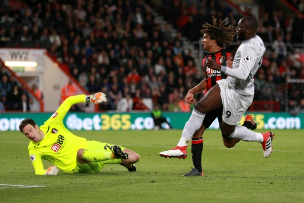 Smalling, Lukaku Score As Man United Ease Past Bournemouth