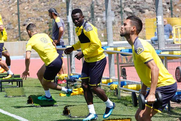 Etebo, Ezekiel In Las Palmas Squad For Levante Clash