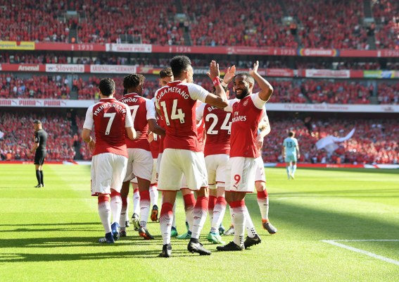 Iwobi, Moses Sparkle As Arsenal Send Wenger Off In Style, Chelsea Edge Liverpool