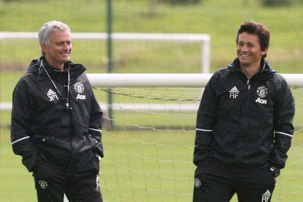 Mourinho's Long-Time Assistant Faria To Leave Man United
