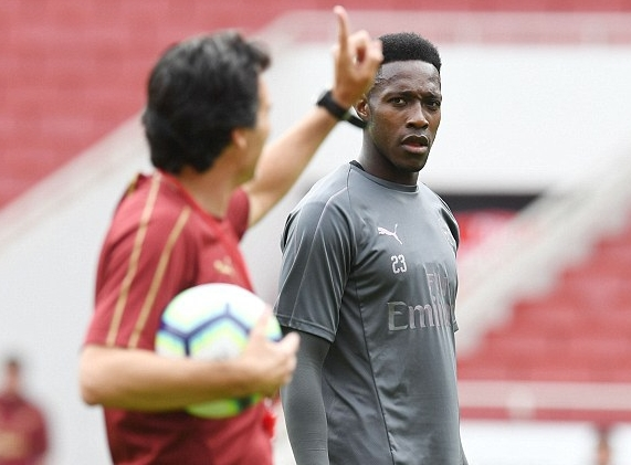 Arsenal Manager Emery Looks To Give Welbeck Left-Back Role Vs Man City
