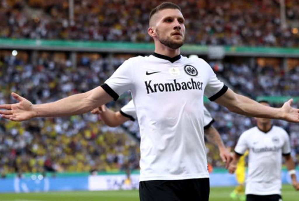 Rebic Agrees New Frankfurt Contract