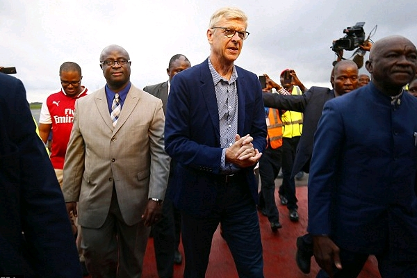 Wenger Arrives In Liberia To Receive Country's Top Honour From President Weah
