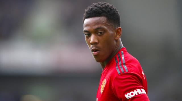 Milan Fail With Martial Bid