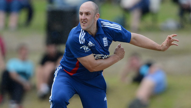 Tredwell Hangs Up His Bat