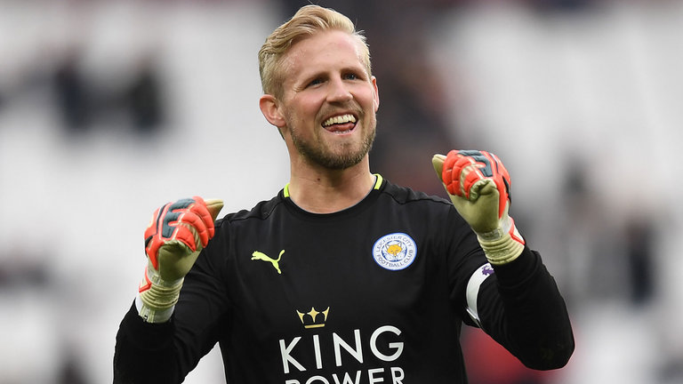 Puel Holds Talks With Schmeichel