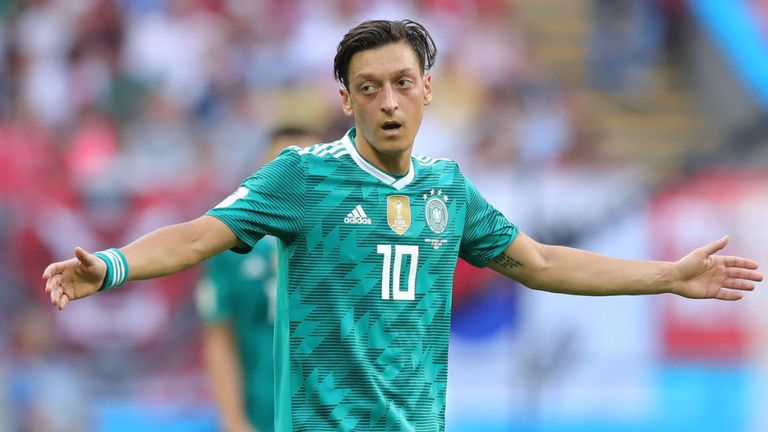 Ozil Agent Blasts German Stars