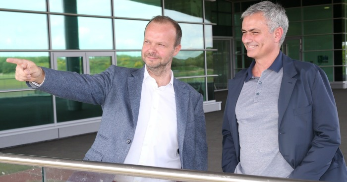 United Chief Reluctant To Axe Mourinho