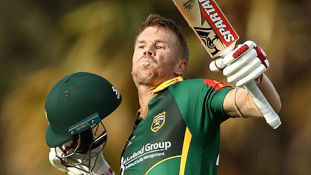 Warner Walks Off Pitch After Sledging Incident