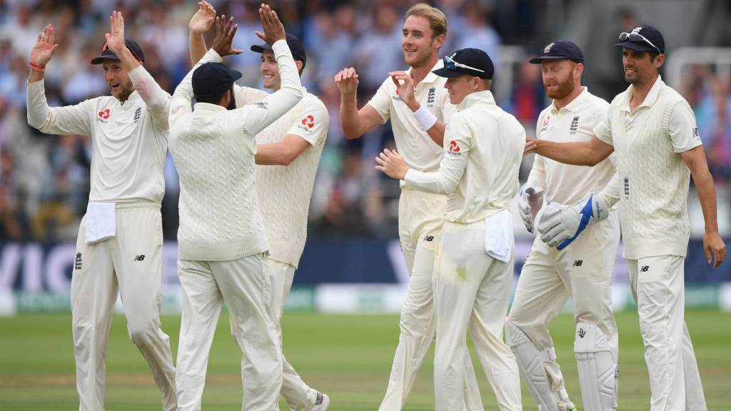 England Frustrated By Conditions