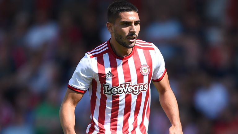 Palace Join Maupay Hunt