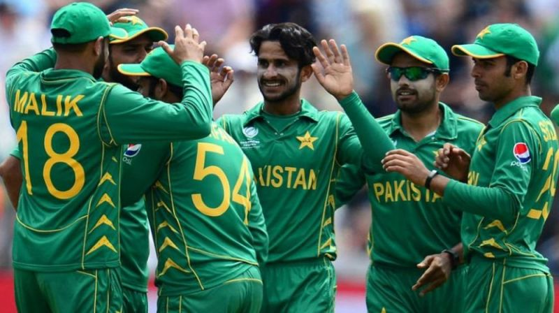 Pakistan Need Seven Wickets For Aussie Scalp