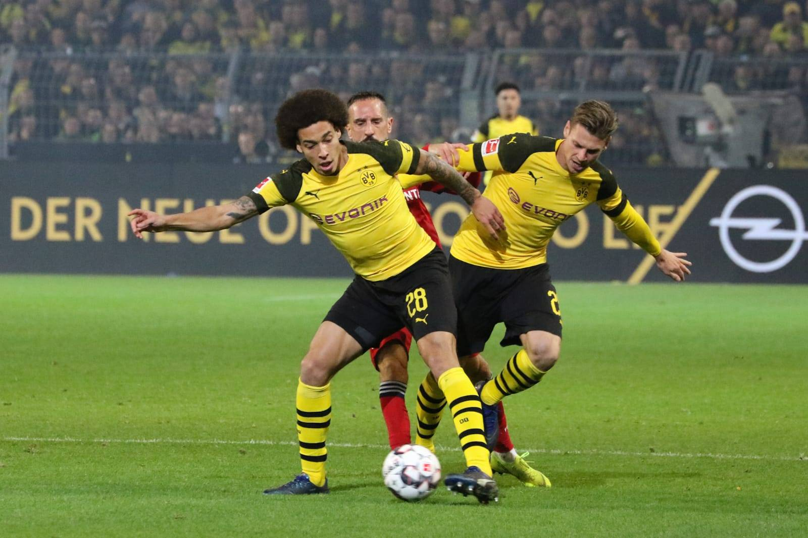 German Bundesliga: Dortmund Edge Bayern  In Five-Goal Thriller