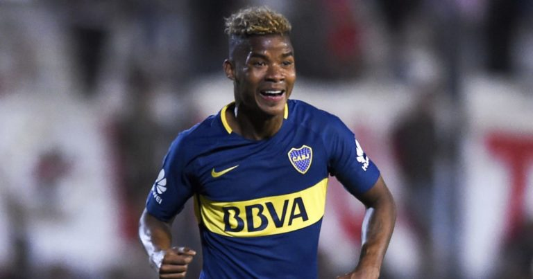 Spurs Keen To Avoid Barrios Bidding War
