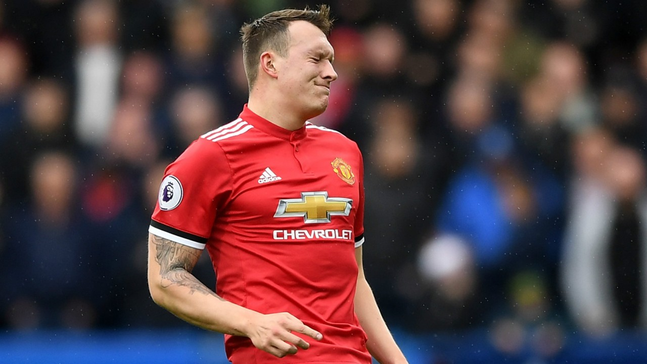 United to Extend Jones Deal