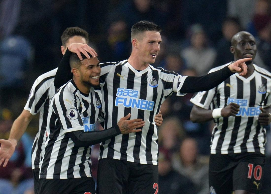 Benitez Keeps Calm As Toon March On