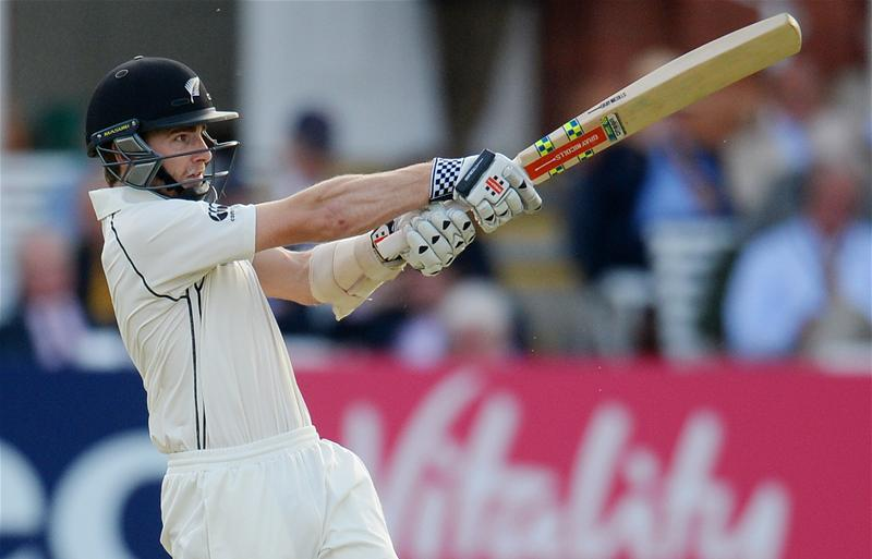 Williamson Holds Firm As Pakistan Dominate