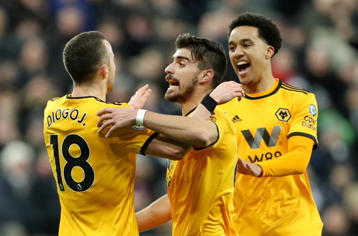 Neves Relishing Jota Link-Up