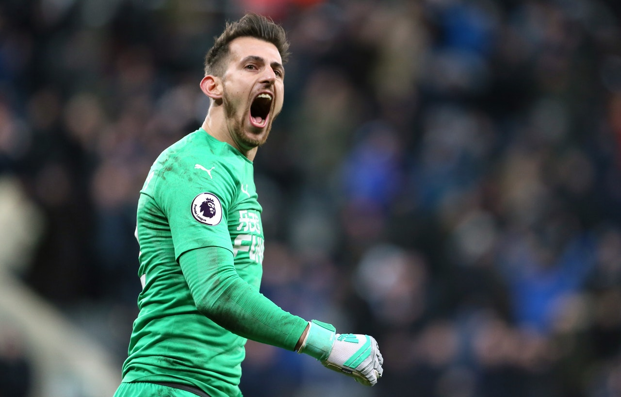 Hayden Shows Dubravka Support