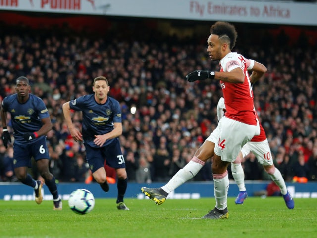EPL: Arsenal Beat Man United 2-0 To Hand Solskjaer First League Defeat