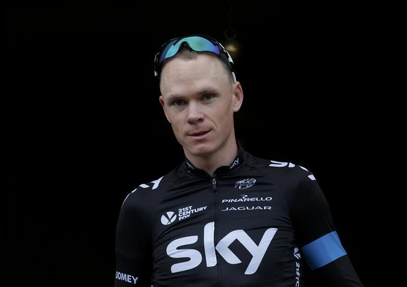 Froome Escapes Serious Injury