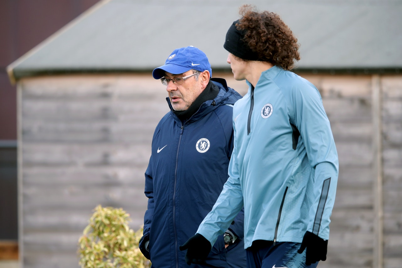 Luiz Jumps To Sarri Defence