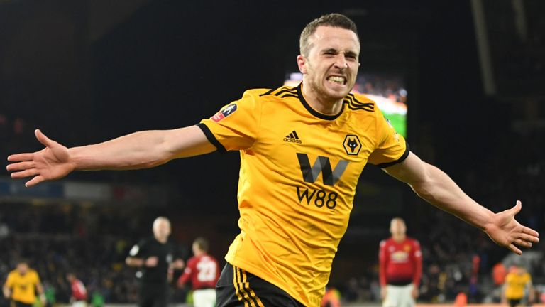 Wolves Beat Man United To Advance To Emirates Cup Semis