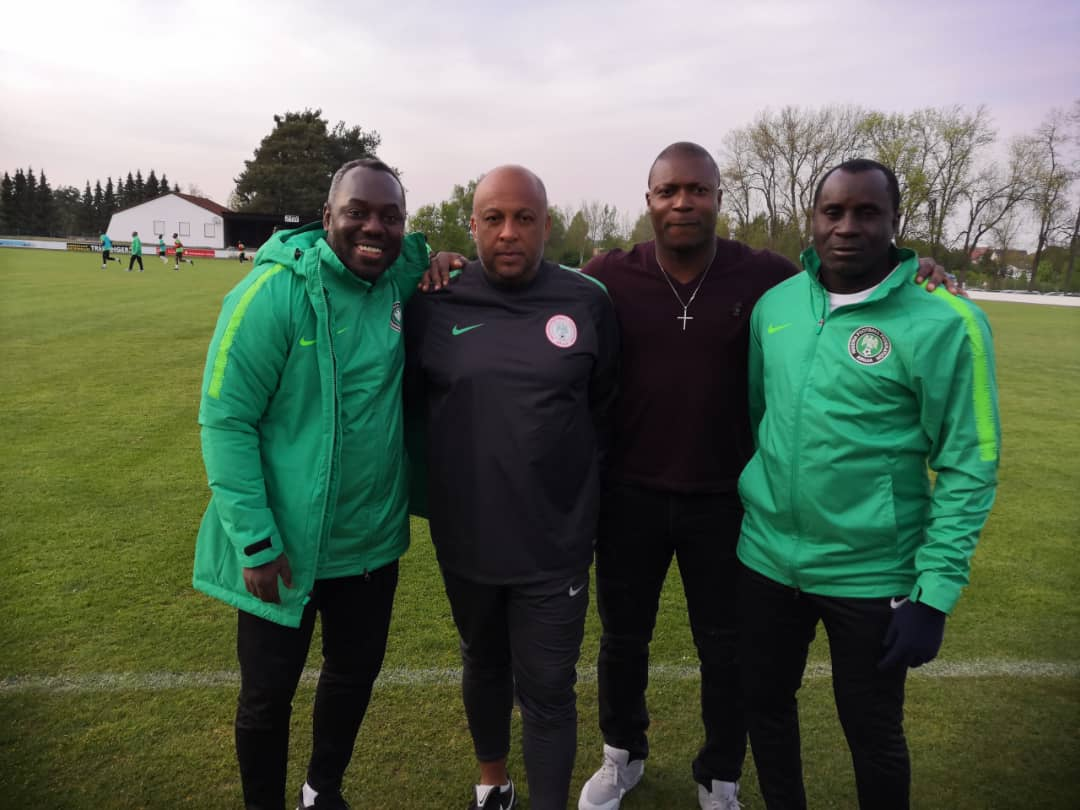 Aiyegbeni Visits Flying Eagles In Camp, Backs Team To Win U-20 World Cup