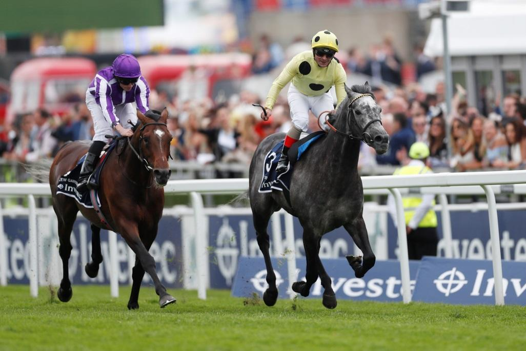 Defoe Springs Surprise At Epsom