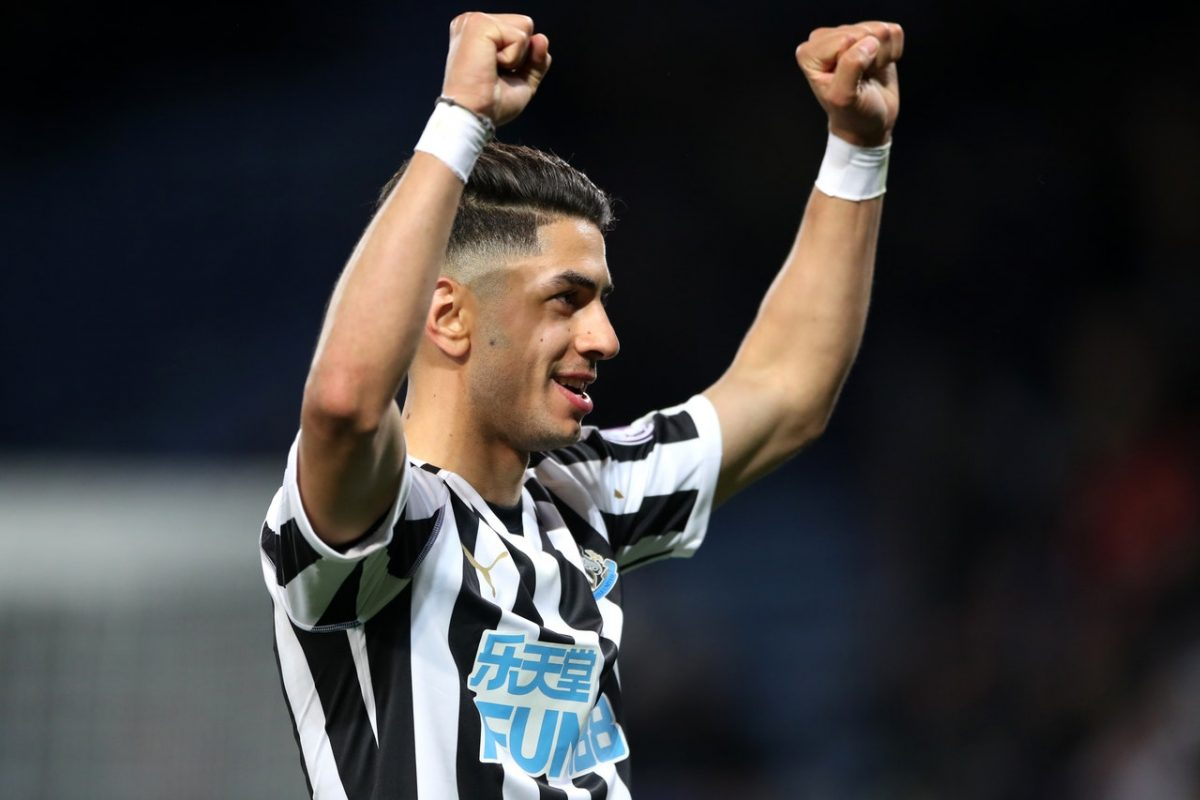 Italian Giants Line Up For Ayoze